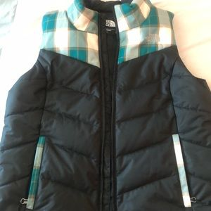 TNF zipper puffer vest perfect for fall 19